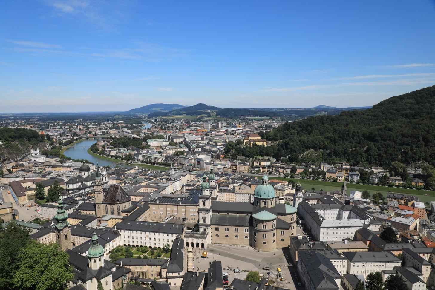 Salzburg gezien vanaf de hoger gelegen vesting.