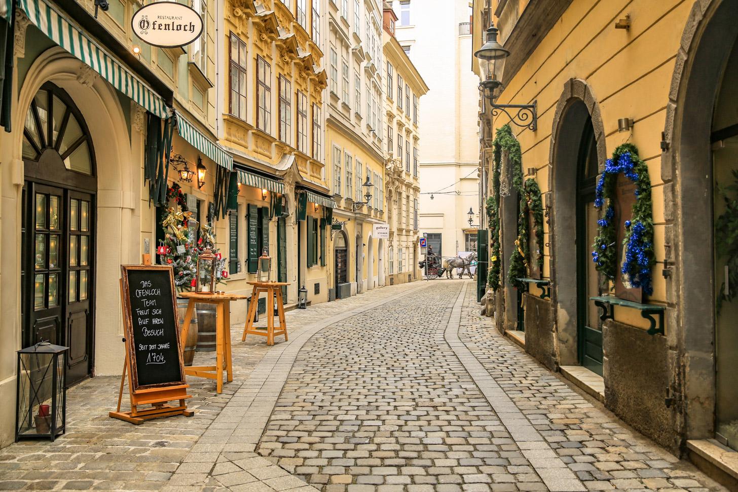 Een straat in het historische centrum van Wenen.